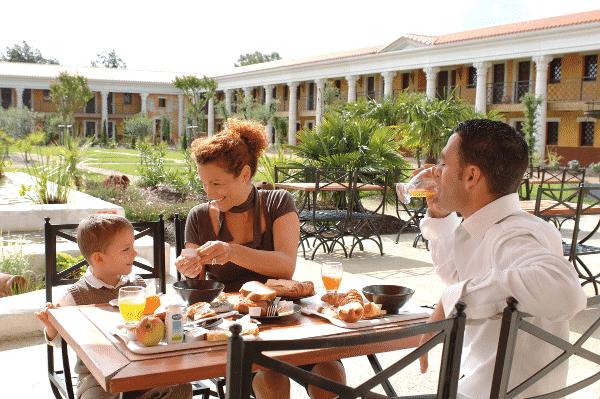 Un petit-déjeuner à la Villa Gallo-Romaine